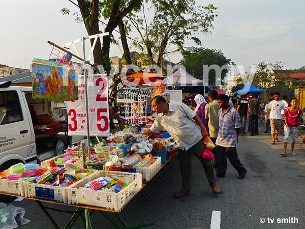 Taman Maluri Pasar Malam