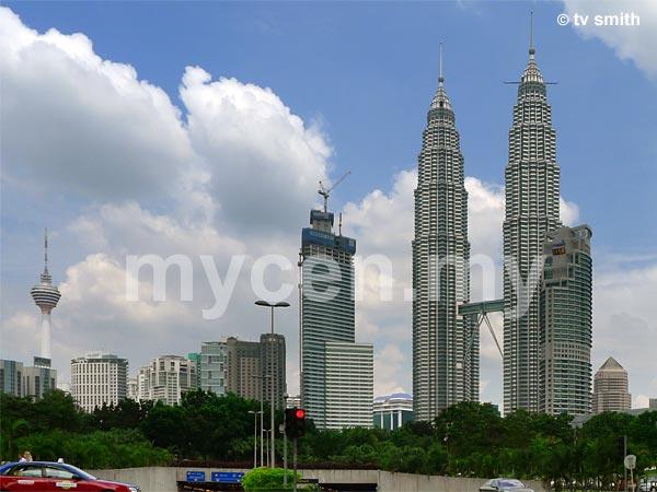 Petronas Twin Towers (Menara Berkembar Petronas) @ KLCC