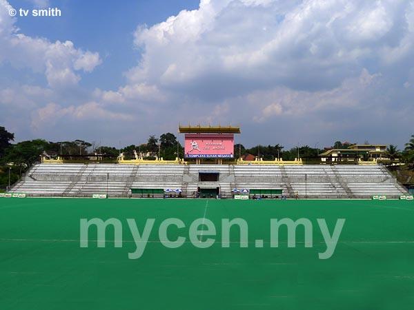 Stadium Tun Razak, Jalan Duta