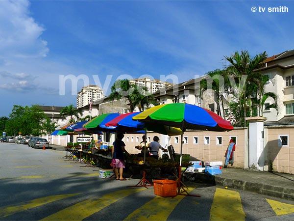 Taman Rainbow Pasar Malam