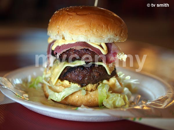 Kaw Kaw Burger Bakar - Double Beef Patties with baconizer and cheese (as served at Puchong)